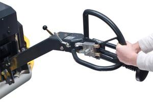 寶馬格BW65H手控型雙鋼輪振動壓路機