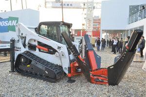 山猫T770履带式滑移装载机图片集