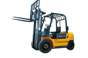 柳工CPC30小吨位内燃平衡重式叉车