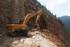 三一SY245H履带挖掘机