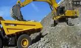 PC800挖机装车视频