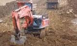 日立850H挖掘机在装车日立EH1000自卸车