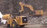 卡特374F挖掘机 988K装载机和772G矿用卡联合展示