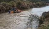 中国龙工装载机深水作业
