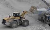 小松装载机WA500和WA480寒风中作业