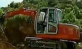 劲工挖掘机施工作业视频