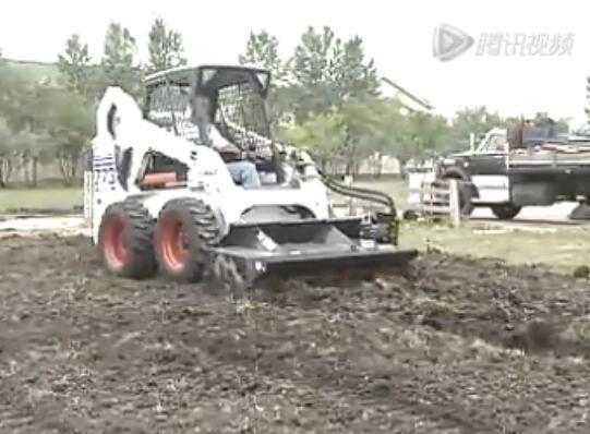 山猫滑移装载机万能属具之旋耕机