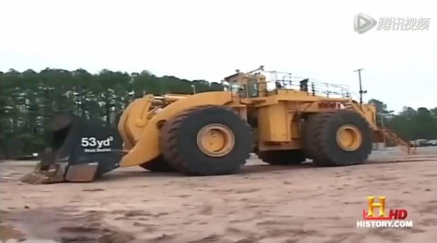 大的无法形容!世界上最大的轮式装载机