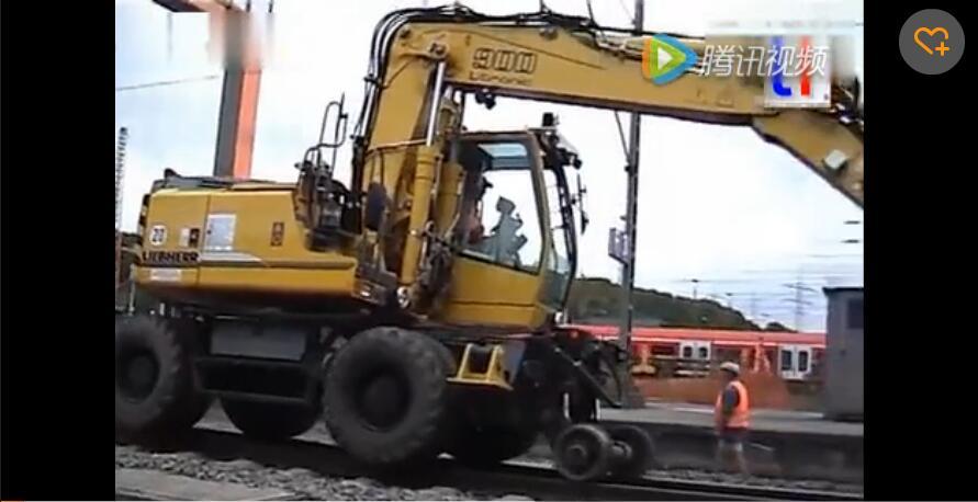 铁路起重机 专门吊运火车铁轨用