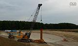 森尼伯根履带式起重机挖桩基