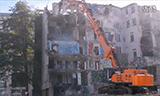 挖掘机拆楼