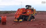 日立800吨矿用挖掘机EX8000组装过程