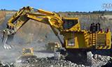 小松PC3000-6挖掘机装载爆炸的岩石