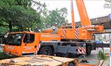 利渤海尔LTM1220-5.2全地面起重机吊运钢架桥梁