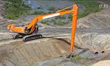 日立330LC-5G长臀挖掘机视频