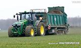 约翰迪尔8360R拖拉机与Tebbe HS240鸡肥布撒作业