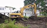 卡特320D挖掘机工作