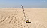 宝峨MC96履带式起重机在中东沙漠工作