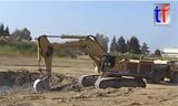 卡特385C LME挖掘机工作