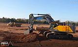 沃尔沃EC750E挖掘机装载沃尔沃A306自卸车