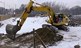 小松PC240NLC挖掘机工作
