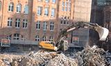 沃尔沃EC360在大型拆迁工地