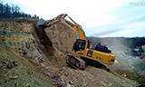 KOMATSU 小松PC490LC-11挖掘机在工作