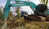 KOBELCO神钢SK200挖掘机下板车