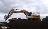 利渤海尔R956挖掘机与R970挖掘机工作