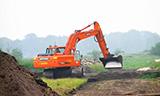 斗山DX255 LC挖掘机工作