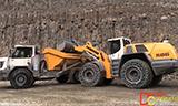 利渤海尔L586 轮式装载机与利渤海尔TA230 ADT自卸车工作
