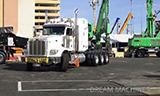 长头卡车运输工程机械