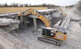卡特彼勒349E L与352F L挖掘机拆除高速公路桥梁