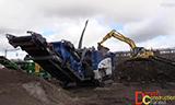 小松PC240-10挖掘机工作