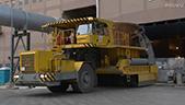 工业熔炉废渣运输车工作
