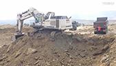 利渤海尔984C 矿用挖机装车