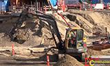 沃尔沃ECR88挖掘机工作