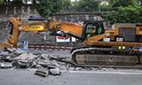 卡特挖掘机拆除轻轨