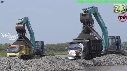 神钢SK200-10挖掘机在河道工作