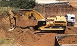 卡特彼勒365C挖掘机工作