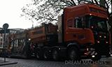 斯堪尼亚R500卡车运输利勃海尔R960挖掘机