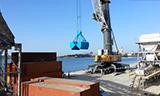 利勃海尔LHM 320港口移动式起重机工作