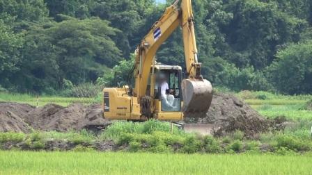 小松PC138US挖掘机
