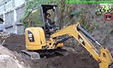 卡特彼勒304E小型挖掘机工作