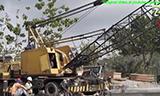 印尼车载式起重机吊装桥梁