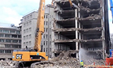 卡特彼勒385C长臂挖掘机拆楼