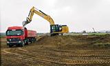 卡特彼勒330F挖掘机工作