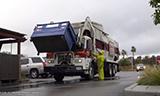 美国垃圾收集车工作