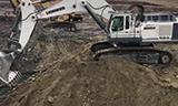 利勃海尔984 挖掘机装车