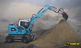 利勃海尔A912轮式挖掘机工作